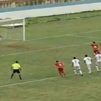 Découvrez le PIRE penalty de l'année : ce brésilien a deux pieds gauches