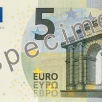 Un nouveau billet de 5 euros quasi identique bientôt en circulation