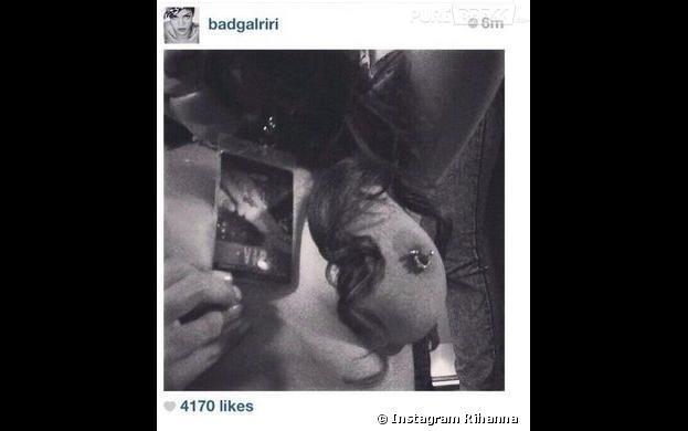 Rihanna dévoile un téton sur Instagram