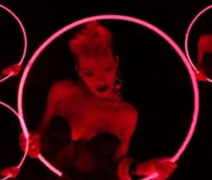 Rita Ora a dévoilé le clip de Facemelt