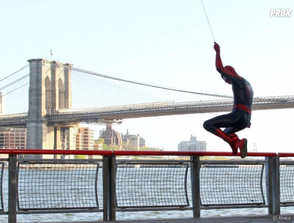 une photo de the amazing spider man 2 fait beaucoup parler purebreak. Black Bedroom Furniture Sets. Home Design Ideas