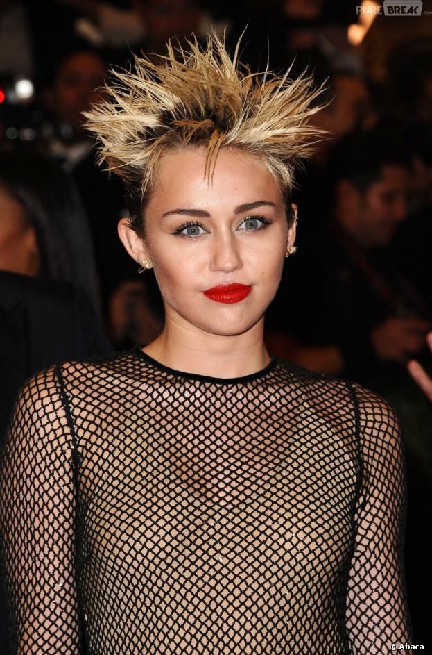 Miley Cyrus numéro 1 de la hot list de Maxim