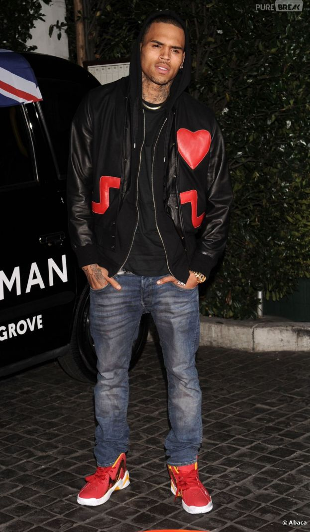 Chris Brown a taclé Rihanna sur Twitter