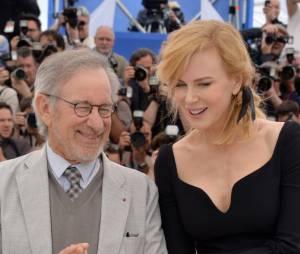 Nicole Kidman et Steven Spielberg complices au photocall du jury du Festival de Cannes 2013