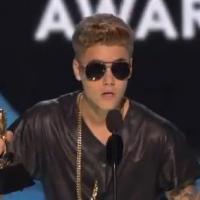Justin Bieber hué aux Billboard Music Awards 2013