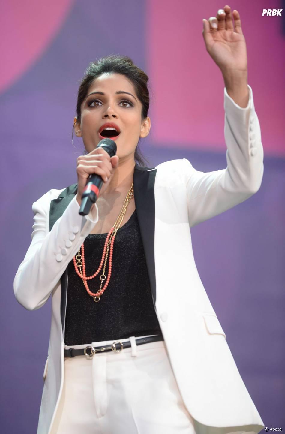 Freida Pinto apporte son soutien au concert Sound for Change