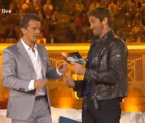 Gerard Butler véritable showman dans une émission allemande.