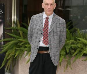 John Malkovich a secouru un vieil homme à Toronto