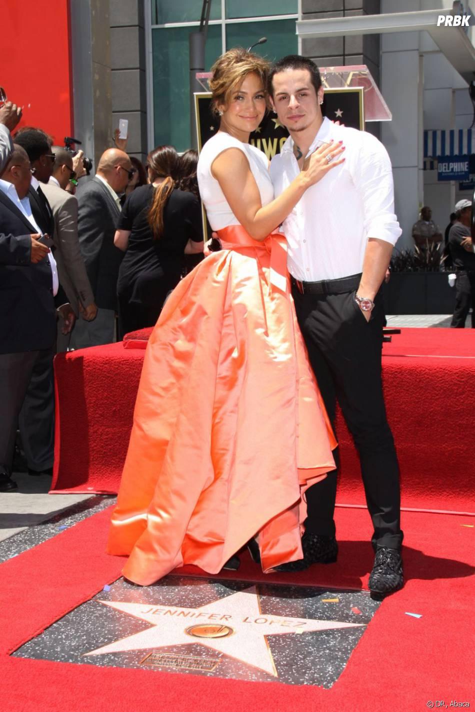 Jennifer Lopez et Casper Smart sur le Walk of Fame, jeudi 20 juin 2013.