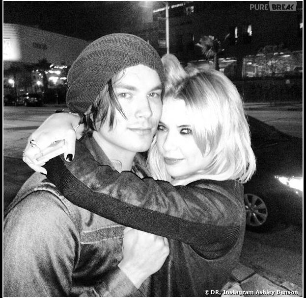Ashley Benson et Tyler Blackburn en plein câlin sur Instagram