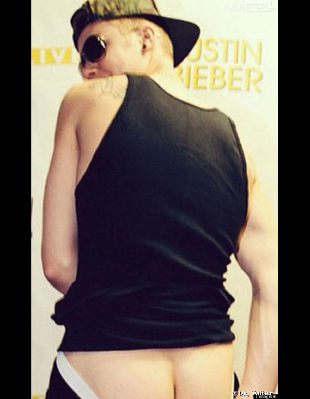Justin Bieber dévoile souvent ses abdos ou ses fesses sur Twitter