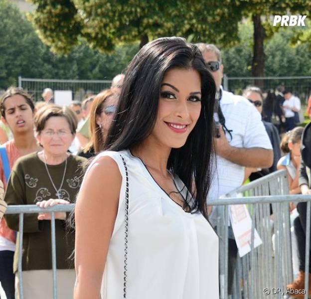 Ayem Nour : elle met fin aux rumeurs qui la disent enceinte