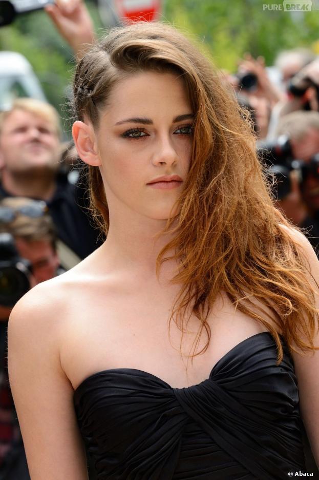 Kristen Stewart : pas très expressive à la Fashion Week de Paris en juillet 2013