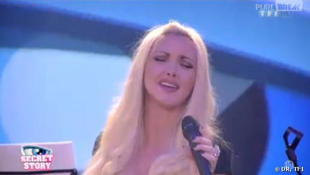 Secret Story 7 : les talents de chanteuse de Florine ne plaisent pas à ses camarades.
