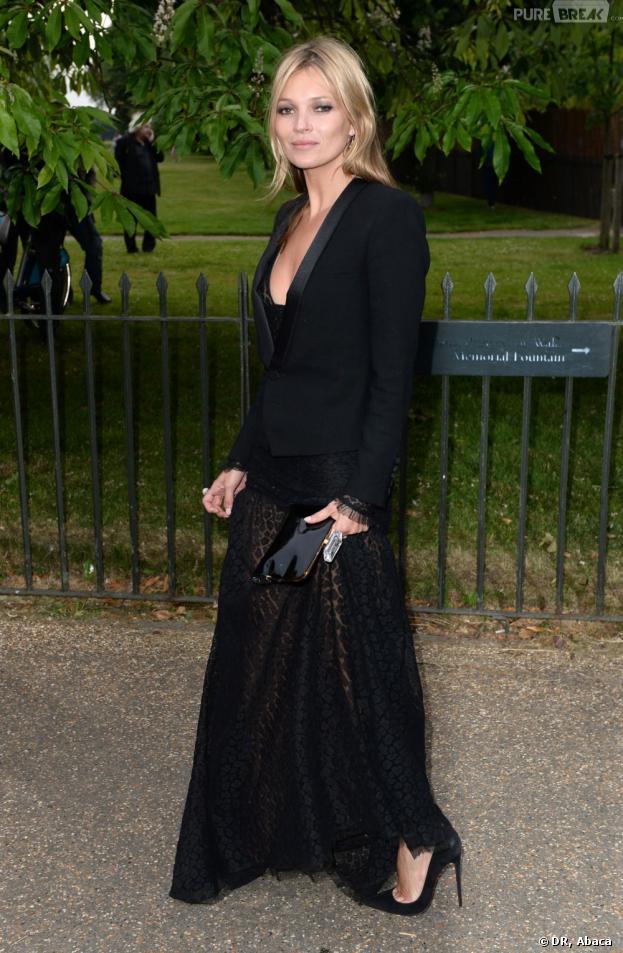 Kate Moss : une clope à 2300 euros