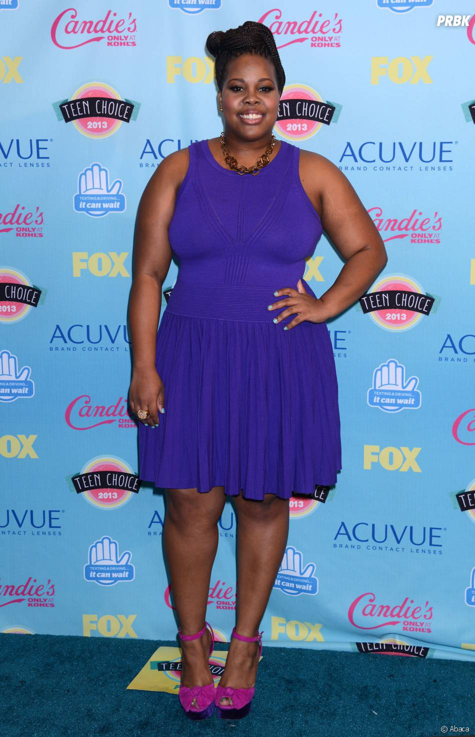 Amber Riley sur le tapis rouge des Teen Choice Awards 2013