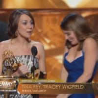Tina Fey : son sein s'échappe lors des Emmy Awards