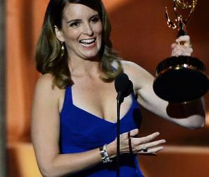 Tina Fey : sa poitrine se dévoile lors des Emmy Awards 2013