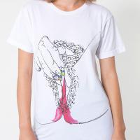 American Apparel : T-shirts à imprimés seins et règles, malaise ou génie ?
