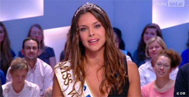 Marine Lorphelin : sexy et décolletée pour présenter la météo dans Le Grand Journal de Canal+ le vendredi 4 octobre 2013