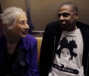 Jay Z discute avec une mamie dans le métro à Brooklyn avant un concert, en octobre 2012 (à partir de 18'30)