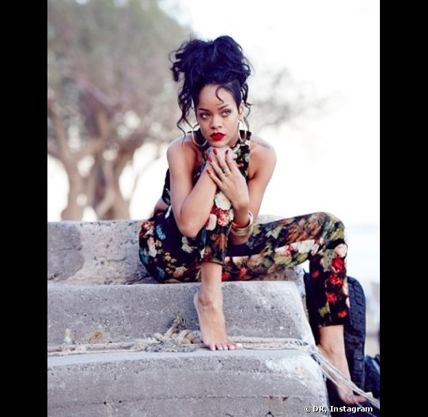 Rihanna chic et sexy sur Instagram avec sa collection River Island