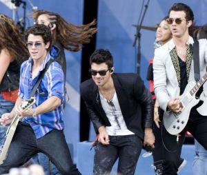Jonas Brothers : leur tournée annulée à cause des tensions
