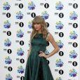 Taylor Swift combat le vent à Londres le 3 novembre 2013