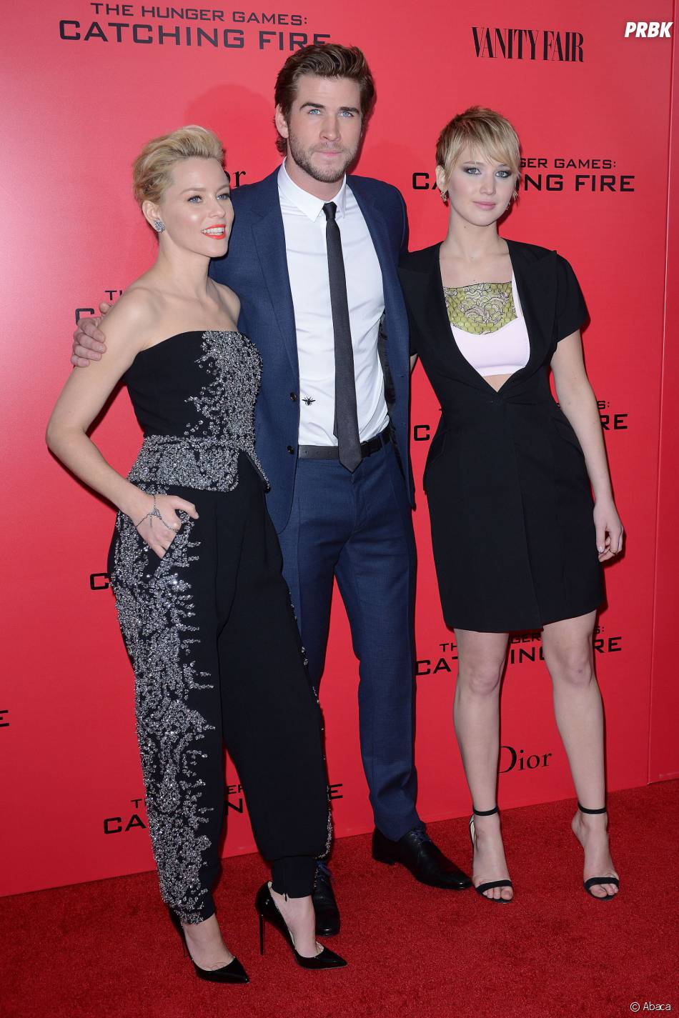 Liam Hemsworth, Elizabeth Banks et Jennifer Lawrence à l'avant-première d'Hunger Games l'embrasement à New York le 20 novembre 2013