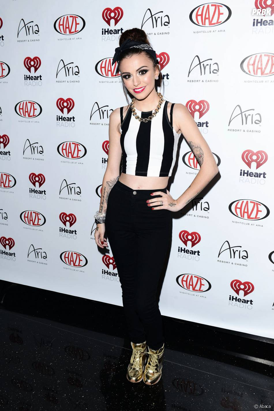 Cher Lloyd loin d'être exubérante comme Kim Kardashian