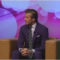 """David Beckham se """"déshabille"""" pour la bonne cause... et se confie sur son projet à Miami"""
