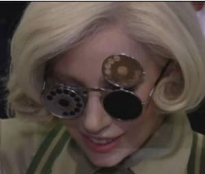 Lady Gaga étrange au Japon, le 26 novembre 2013