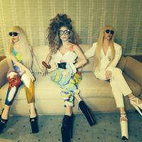 """Lady Gaga dévoile ses """"Gagadollz"""", des poupées... taille réelle !"""