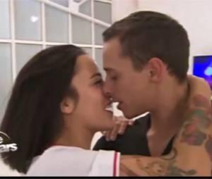 Grégoire Lyonnet émet la possibilité qu'un baiser aurait été échangé avec Alizée