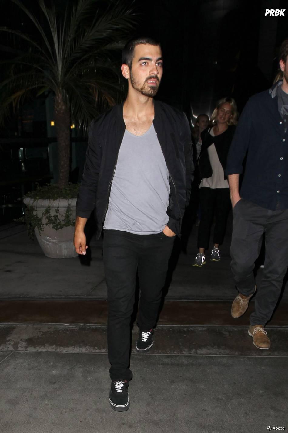 Joe Jonas : l'ex Jonas Brother a fumé son premier joint avec Miley Cyrus