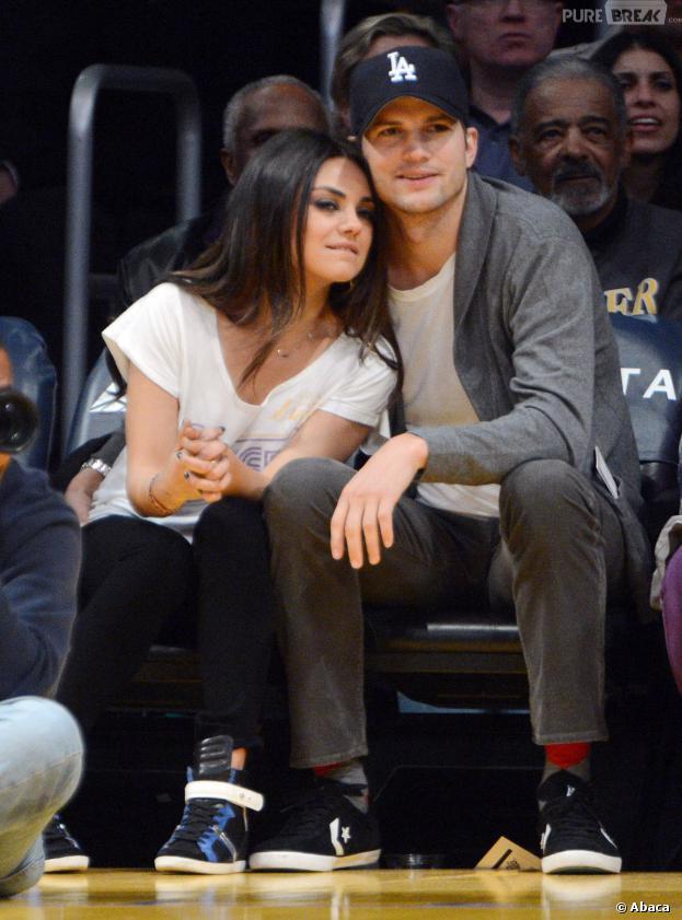 Ashton Kutcher et Mila Kunis officiellement en couple