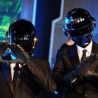 Daft Punk aux Grammy Awards 2014 : sur scène avec... Stevie Wonder