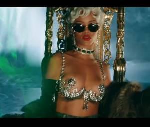 Pour it up de Rihanna : le clip sexy