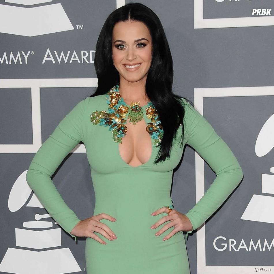 Katy Perry très décolletée aux Grammy Awards 2013