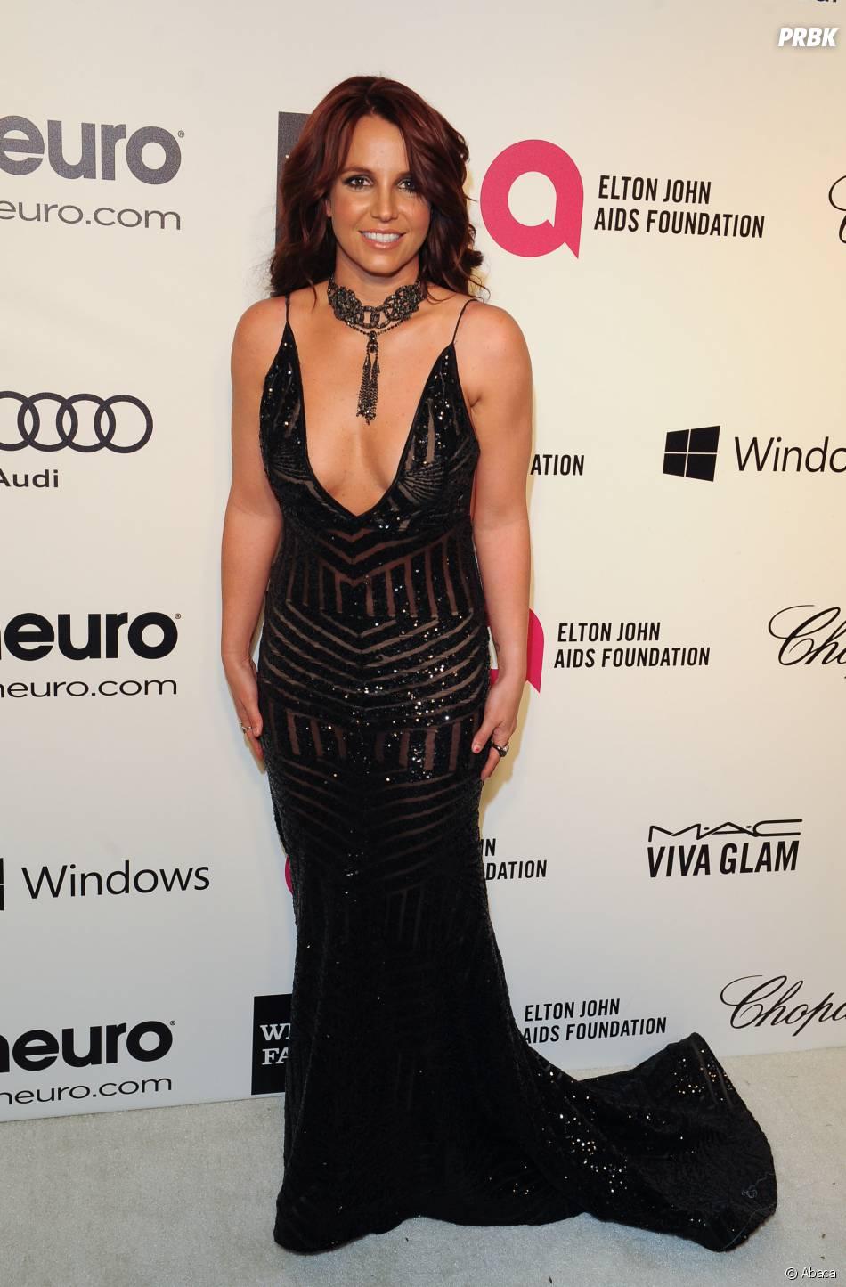 Britney Spears lors d'une soirée organisée par Elton John le 2 mars 2014 -  Purebreak