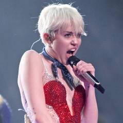 Miley Cyrus tricheuse ? Elle utilise un prompteur pendant ses concerts