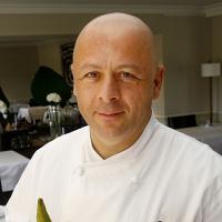 """Thierry Marx """"infidèle"""" à Top Chef et M6 : sa cuisine de rue à l'honneur sur TF1"""