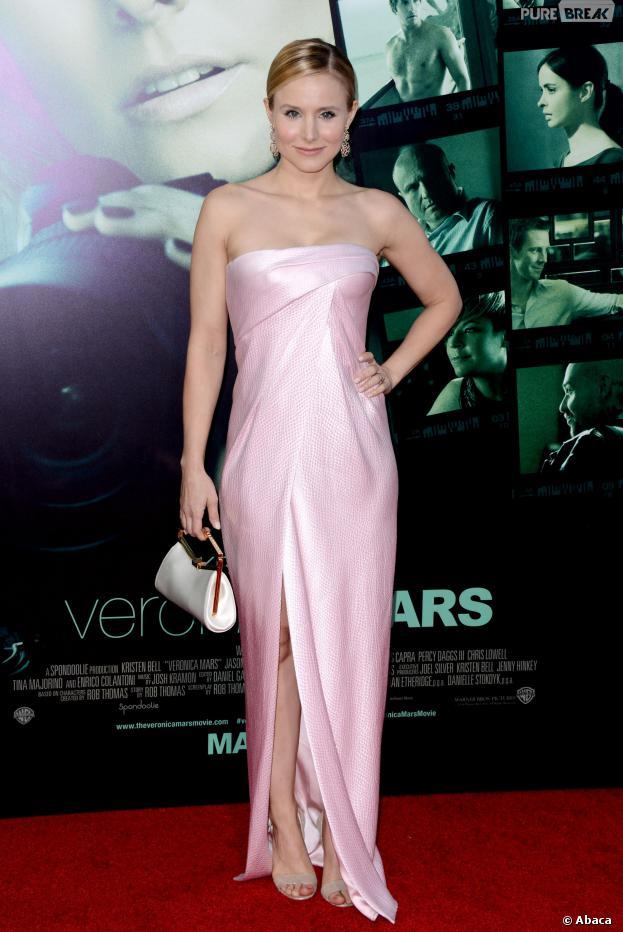 Kristen Bell glamour en rose pour l'avant-première du film Veronica Mars, le 12 mars 2014 à Los Angeles