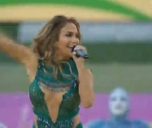 Coupe du Monde 2014 : Jennifer Lopez sexy au stade de Sao Paulo aux côtés de Pittbull pour la cérémonie d'ouverture