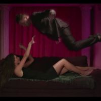 Keen'V : Dis-moi oui (Marina), le clip du troisième type