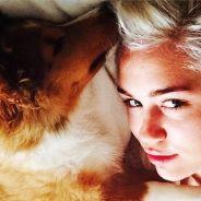 Miley Cyrus retrouve le bonheur grâce à Emu, son nouveau chien