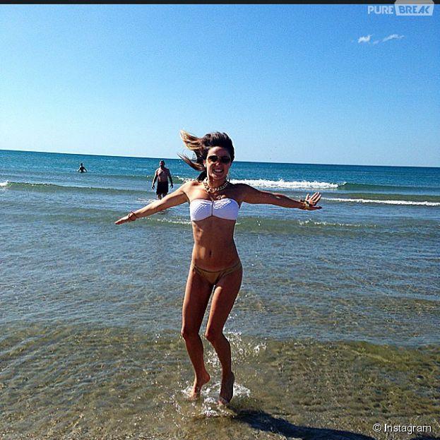 Capucine Anav sexy en bikini sur Instagram, le 22 juillet 2014