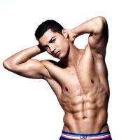 Cristiano Ronaldo quasi nu pour CR7 Underwear : son entrejambe censuré aux US !