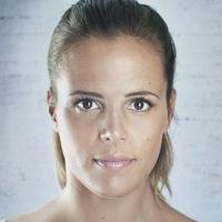 Laure Manaudou : photos nues, seins refaits, elle dit tout dans son livre