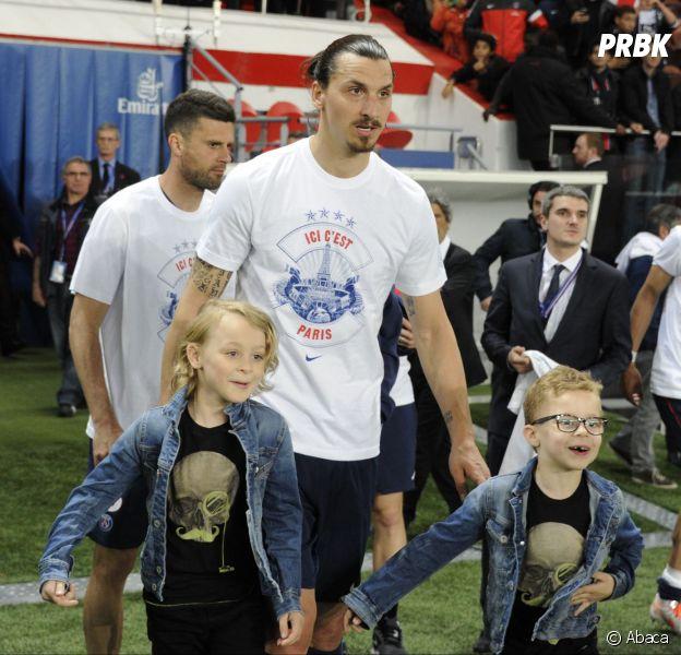 Zlatan Ibrahimovic et ses fils au Parc des Princes, le 7 mai 2014